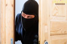 Survival Guide - Twenty home security and crime prevention untold for preppers - The reason I bring this subject to the forefront is that r Home Safety Tips, Home Security Tips, Safety And Security, Home Security Systems, Security Alarm, Survival Prepping, Emergency Preparedness, Personal Security, Daniel Fast