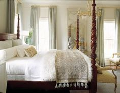 Cream.Blue.Gold.Four Poster Bed