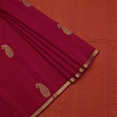 Sari Colour : Pink Zari grade  : Pure Weight    :700 grams ( approx.) Yarn      : Pure Silk