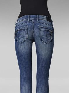 Visit the Official G-Star Online Store and get inspired. Discover our latest denim and fashion. G Star Raw Jeans, Gstar, Fashion Outfits, Skinny, Style Clothes, Denim, My Style, Circuit, Pants