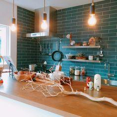 みんなの憧れ!タイル貼りのスタイリッシュキッチン   RoomClip mag   暮らしとインテリアのwebマガジン