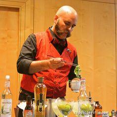 En el Congreso Internacional de Coctelería Mixology(X)trends Madrid 2015, pudimos disfrutar de la clase y el carisma del bartender Manu Iturregi. #CopasConEstilo #Coctelería #Madrid