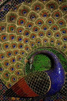 Peacock Mosaic, Mor Chowk , City Palace – Udaipur, India ( flickr-Tommy Nelson )