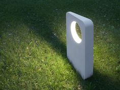 Luminaire Design & Lampe Design sur I Light You - Eclairage design Bollard Lighting, Cool Lighting, Outdoor Lighting, Lighting Design, Concrete Light, Concrete Forms, Precast Concrete, Luminaire Design, Lamp Design