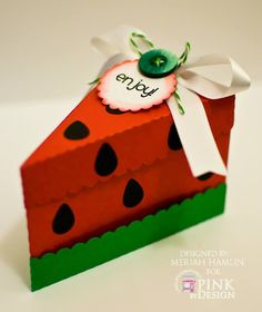 Two Scraptastic Gals Candy Crafts, Paper Crafts, Crafts To Do, Diy Crafts, Space Phone Wallpaper, Watermelon Birthday Parties, Watermelon Decor, Diy Gift Box, Paper Cake