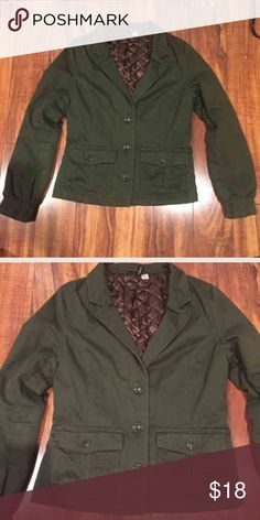 H&M Army Green Jacket Size 10 Like new super cute H&M Army green blazer jacket! Size 10! Check out my closet too! H&M Jackets & Coats Blazers