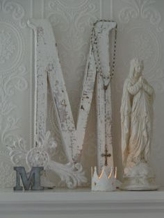 Little White Heaven Romantic Shabby Chic, Shabby Chic Homes, Shabby Chic Style, Catholic Altar, Catholic Crafts, Blessed Mother Mary, Blessed Virgin Mary, Madonna, White Heaven