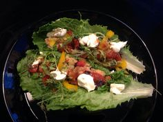 Chicken fajitas with salad leaves Chicken Fajitas, Cobb Salad, Tacos, Mexican, Leaves, Ethnic Recipes, Kitchen, Food, Cooking