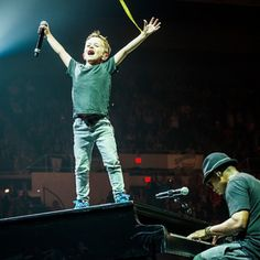 """All I can say is """"uh oh"""". Hey Griff, it doesn't get better than singing on @iamroblewis's piano. Take it slow, kid. You look like you're as lucky as your dad! Long Island, we got our big break here with Tiffany 27 years ago and you've never stopped showing up for us. Another amazing show tonight!! Xoox #NKOTB #TheMainEvent"""