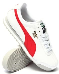 The Roma Lo Sneakers by Puma! Buy Shoes, Men's Shoes, Foot Games, Puma Classic, Everyday Shoes, Puma Mens, Pumas Shoes, Sneaker Boots, Trainers