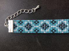 Patroon bead loom Peyote Stitch Patterns, Bead Loom Patterns, Beading Patterns, I Love Jewelry, Diy Jewelry, Beaded Jewelry, Jewelry Making, Bead Loom Bracelets, Bracelets For Men