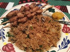 Surinaamse nasi met kip sate.