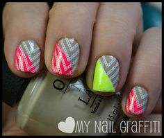 Base Did You'ear About Van Gogh (OPI Holland collections). Color Club Warhol and Sinful Colors Neon Melon are on the diagonal corners. Finished off with a chain design from one of the You Mix Cosmetics XL stamping plates (which I need to get asap)... Super Artistic..