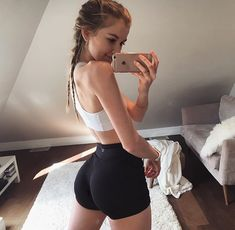 Fitness Motivation, Fit Girl Motivation, Body Inspiration, Fitness Inspiration, Workout Inspiration, Dieta Academia, Fitness Models, Shorts With Tights, Yoga Shorts