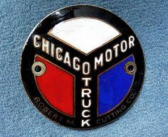 La marque de voitures Américaine Chicago fut fondée en 1895, et cessa son activité de construction automobile en 1904.
