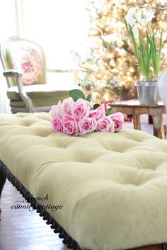 FRENCH COUNTRY COTTAGE: Button Tufted Bench Tutorial (Tuft first, then staple around edges)<---wish i'd seen this last night!!!!