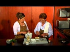 Lin and Hannari show us how to make an easy Lasagne recipe with Argilla! Be sure to tune into Kuiertyd met Liesel on Kruiskyk TV (www. Lasagne Recipes, Make It Yourself, Cooking, Youtube, Baking Center, Lasagna Recipes, Kochen, Cuisine, Brewing