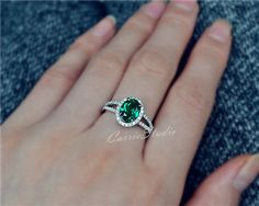 Gorgeous and classic oval design Emerald ring with 925 sterling silver, perfect as engagement/wedding ring, birthday or anniversary gift, etc. Main Stone:7*9mm lab created Emerald stone CS009