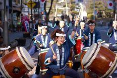 """Mengenal Taiko Sebuah Hobi Musik Tradisional Jepang  Dunia Hobi Jepang – Jepang memang memiliki banyak budaya tradisional dalam bidang kesenian dan salah satunya adalah Taiko (太 鼓) yang merupakan sebuah alat musik pukul Jepang yang memiliki aneka ragam jenis. Di Jepang, Taiko mengacu pada jenis drum apapun, tapi di luar Jepang, disebut dengan wadaiko (和 太 鼓 """"drum Jepang"""") dan satu set kelengkapan dari alat musik taiko sendiri disebut kumi-daiko (組 太 鼓). Proses pembuatan alat musik taiko…"""