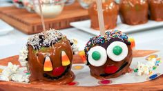 The kids would have so much fun making these...Funny Face Caramel Apples - Steven and Chris #WerthersCaramel #Caramel