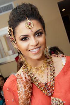 gold/ maroon tikka wedding necklace and head piece | courtesy Tomas Ramos Photography | www.shaadibelles.com