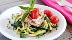 Variace na těstovinový salát, ovšem bez těstovin :) Místo nich použijte nudličky z chuťově neutrální cukety. Food Dishes, Green Beans, Zucchini, Spaghetti, Low Carb, Meat, Chicken, Vegetables, Cooking