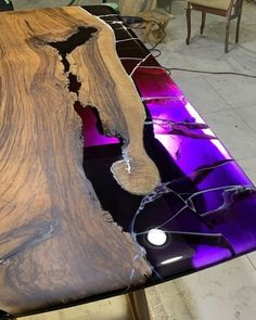 Awesome epoxy resin - HB epoxy Epoxy Table Top, Epoxy Wood Table, Epoxy Resin Table, Diy Epoxy, Woodworking Furniture Plans, Woodworking Projects, Woodworking Wood, Bancada Epoxy, Resin Crafts