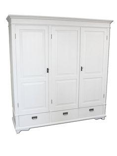 Valkoinen puinen maalaisromanttinen vaatekomero   Marearca Armoire, Lockers, Locker Storage, Sweet Home, Stairs, Cabinet, Country, House, Furniture