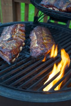 Ribs and sweet tea just scream summer to me. So I combined the two and brined ribs in sweet tea! Grilling Recipes, Cooking Recipes, Grilling Ideas, Egg Recipes, Free Recipes, Bbq Ribs, Barbecue, Bbq Pork, Pork Ribs