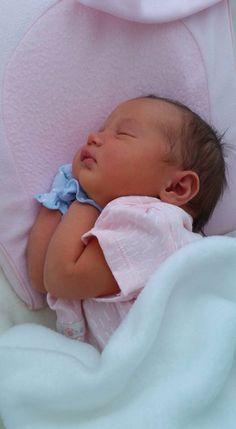 Martina arce florez, mi nieta preciosa, nacio hace tres dias