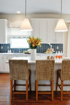 Coastal Kitchen Design Ideas, Pictures, Remodel, and Decor - page 22