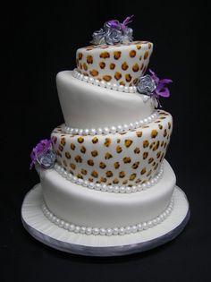 Gateau de mariage sur presentoir