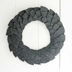 12 Modern Wreaths To Make This Christmas