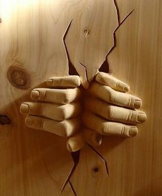Wood sculpture: with both hands. - Today Pin- Wood sculpture: with both hands. Art Sculpture En Bois, Hand Sculpture, Sculptures, Sculpture Ideas, Cnc Wood Carving, Wood Carving Patterns, Wood Carvings, Chip Carving, Tree Carving
