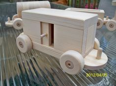 Train Set Pine Wooden toys 6 Car All Natural Pine 5 by mikebtoys