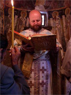 Czytanie Ewangelii podczas Świetej Liturgii