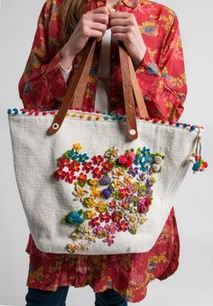 Péro Crochet & Beaded Flowers Cotton/Leather Tote in Natural