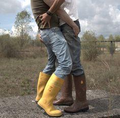 Waders,Wellies,Rubber = the Texas Two-Step Hot Country Men, Country Wear, Lesbian Hot, Lycra Men, Cute White Boys, Scruffy Men, Hunks Men, Farm Boys, Men Kissing