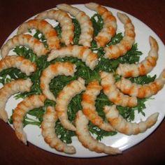 Insalata di surimi e rucola  L'insalata di surimi è un piatto velocissimo da preparare, colorato, sfizioso e leggero che può essere gustata sia in estate che in inverno. Può essere servita come antipasto o come secondo piatto...