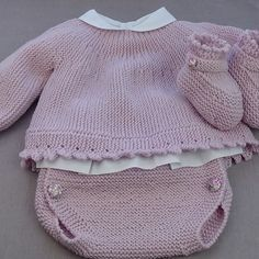 baby cardigan knitting tutorial In the present day I wish to present you a special approach of constructing a Knitted Child Cardigan. As a lot of you realize, we now have made cardig. Baby Cardigan, Baby Pullover, Knitting For Kids, Baby Knitting Patterns, Baby Patterns, Crochet Patterns, Free Knitting, Crochet Baby Jacket, Crochet Baby Hats