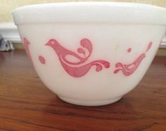 Small pyrex friendship mixing bowl 407