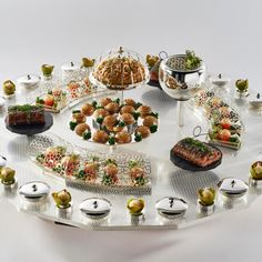 #bocusedor #bocusedoreurope2018 #contest #gastronomy #chefs #food #cooking #teamsweden #platter ©Studio Julien Bouvier Chefs, Bocuse Dor, Platter, Food And Drink, Table Settings, Appetizers, Europe, Studio, Drinks