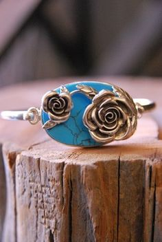 ROSES AND TURQUOISE BRACELET - Old Hollywood