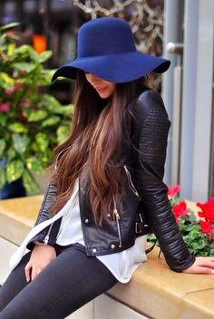 Fashion, style, trend, floppy, hat Mais detalhes no blog: http://www.todacharmosa.com/2015/04/tendencia-inverno-2015-chapeu-floppy.html <3