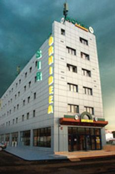 Hotel Sir #Orhideea is situated next to the Northern Railway Station of #Bucharest, less than 5 minutes' walk from Grozavesti Metro Station, the University Campus or Carrefour Hypermarket.   http://www.tropolino.com/EN/Europe/Romania/Bucureşti/Bucharest/
