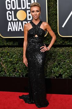 Giuliana Rancic absolutely shines in a Sherri Hill gown at the Golden Globes. Golden Globe Award, Golden Globes, Sherri Hill Gowns, America Ferrera, Giuliana Rancic, Jan 2018, Hollywood Life, Fashion Pictures