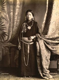 Bhutia Girl in traditional costume with jewelry, Tibet, between 1895 and 1901 Ph. attributed to Th. Parr, Darjeeling, India