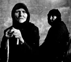 Photography by Irving Penn. Two Cretan women, Irving Penn Portrait, Image Mode, Great Photographers, Salvador Dali, Old Pictures, Greece Pictures, New Jersey, Black And White Photography, Art Photography