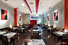Japanese Restaurant Design, Dive Bar, Sushi Restaurants, Cafe Interior Design, Madrid, Table, Ideas Decoración, Furniture, Home Decor