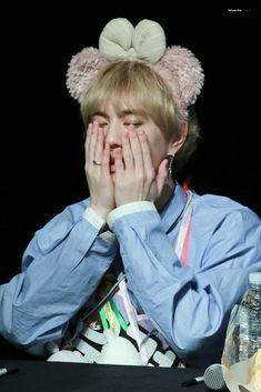 180323 Yugyeom at Seocho fansign cr: MyGyeomieBaby